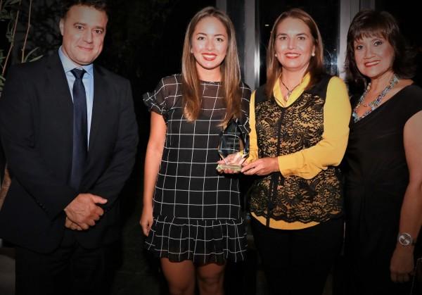 Representantes de Amadeus con representantes de Servitravel, Romina Diaz y Grisela Fiorio