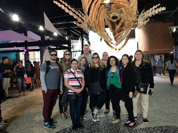 Grupo en la entrada del AquaRio
