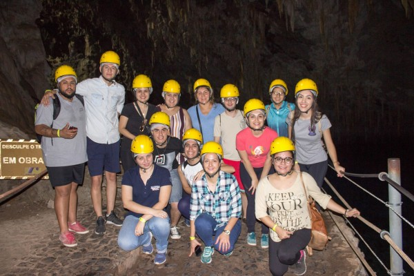 Grupo en la Gruta Lago Azul, Bonito