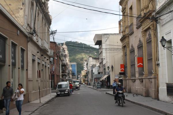 Calle del centro de la ciudad de Salta