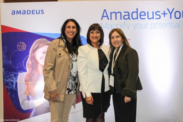 Severania Gutierrez, Johanna Izquierdo y Gloria Miranda