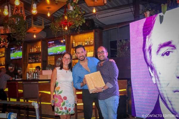 Sebastián Muñoz, de Concord Viajes  junto a Josefina de Zan y Leonel Reyes
