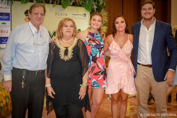 Jose, Ofelia, Ana Laura, Andrea  y Jose Carlos Brunetti