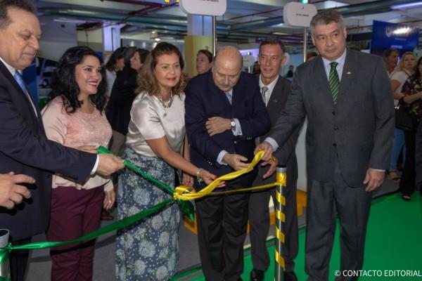 Corte de cinta del Stand de Brasil - Embratur
