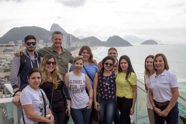 Grupo en la terraza del hotel Pestana Copacabana