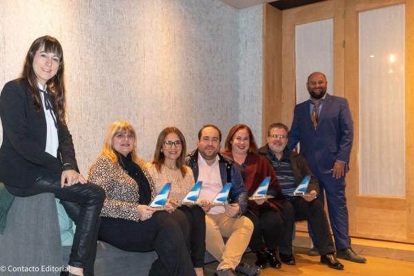 Agencias premiadas de Paraguay en compañía de Gisela Marino y Martin Loperena