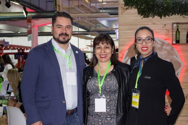 Olavi Linkola, Marta Ruiz y Raquel Arce de Air Europa Paraguay
