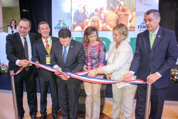 Momento de la inauguración con Ministros de Argentina y Uruguay