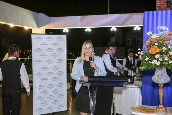 Marta Weismann gerente de hotel