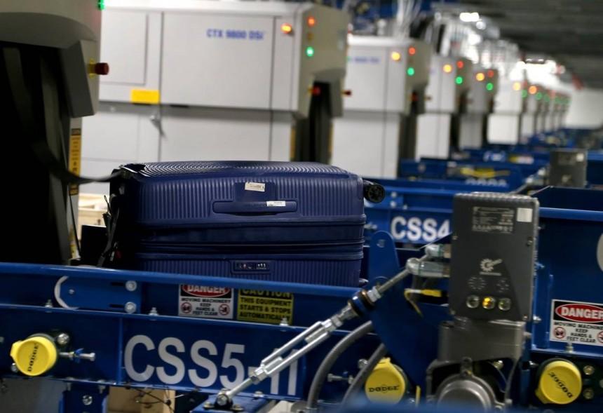 Agilizan entrega de equipaje en aeropuerto de Miami