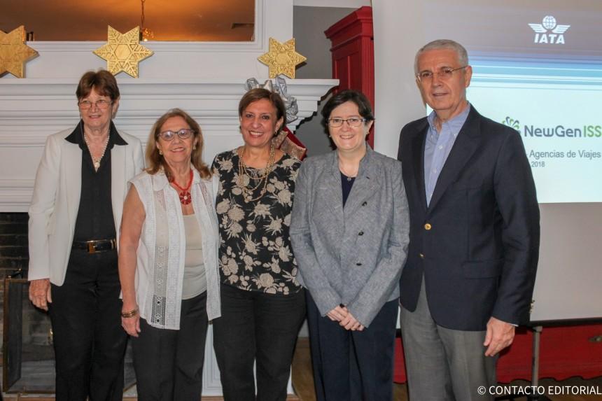 Esperanza Celauro, Cote Pirovano, Martha Chamorro, Ana Daguer y Ronald Birks