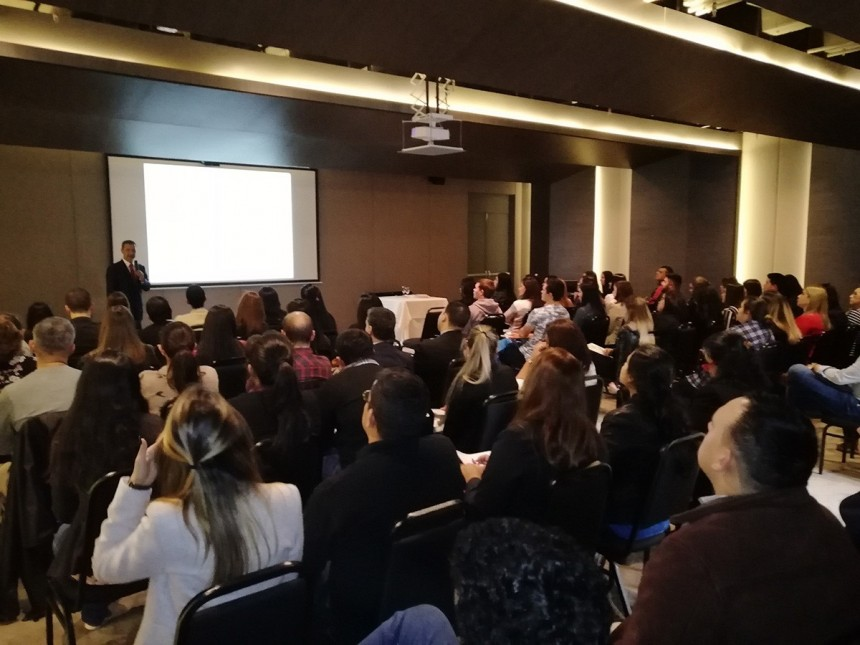 Durante una de las charlas realizadas