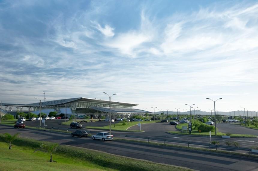 Aeropuerto Internacional Laguna del Sauce