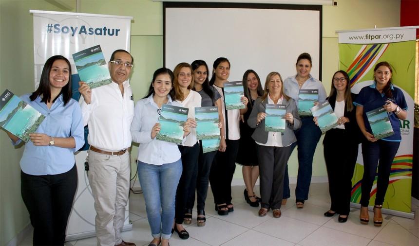 Karina Martinez de Aries Travel con los agentes participantes