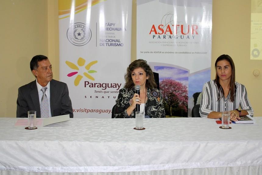 Victor Pavon, Marcela Bacigalupo y Carmen Maria Pereira