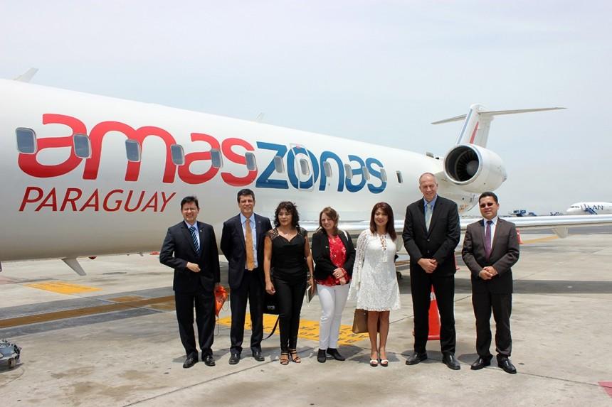 Avión de Amaszonas Paraguay en el Aeropuerto de Lima