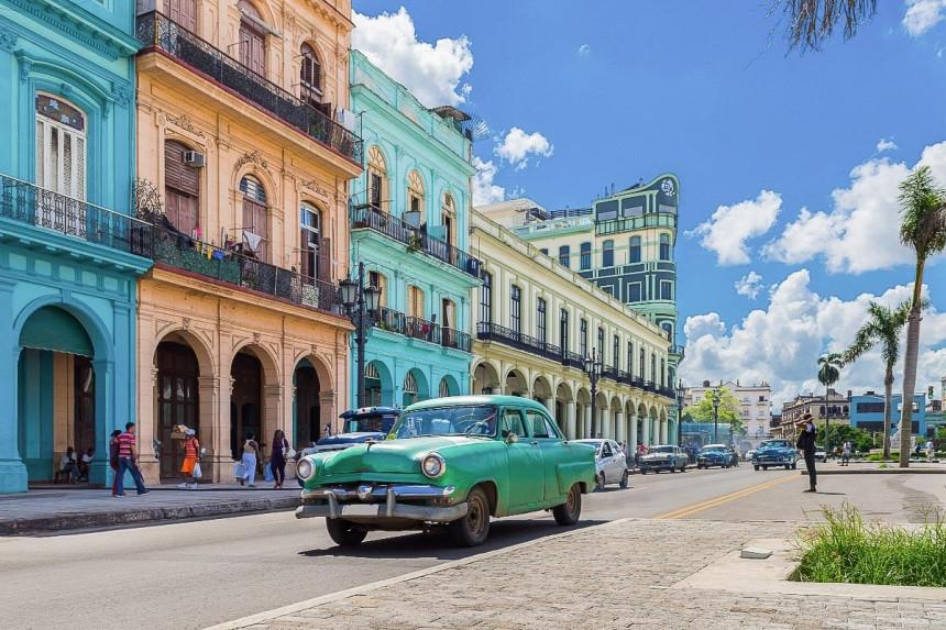 Cuba disminuirá restricciones al turismo internacional