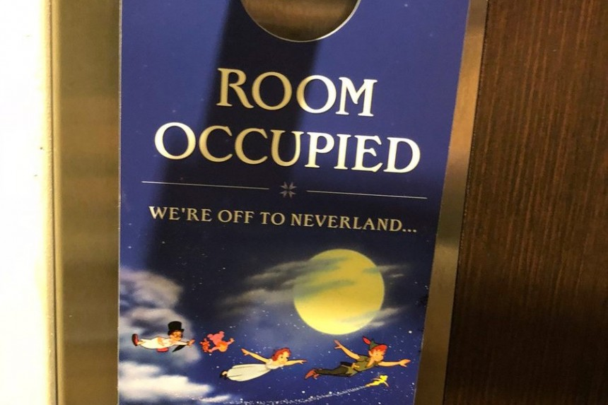 "Hoteles de Disney ya no tendrán carteles de ""No molestar"""