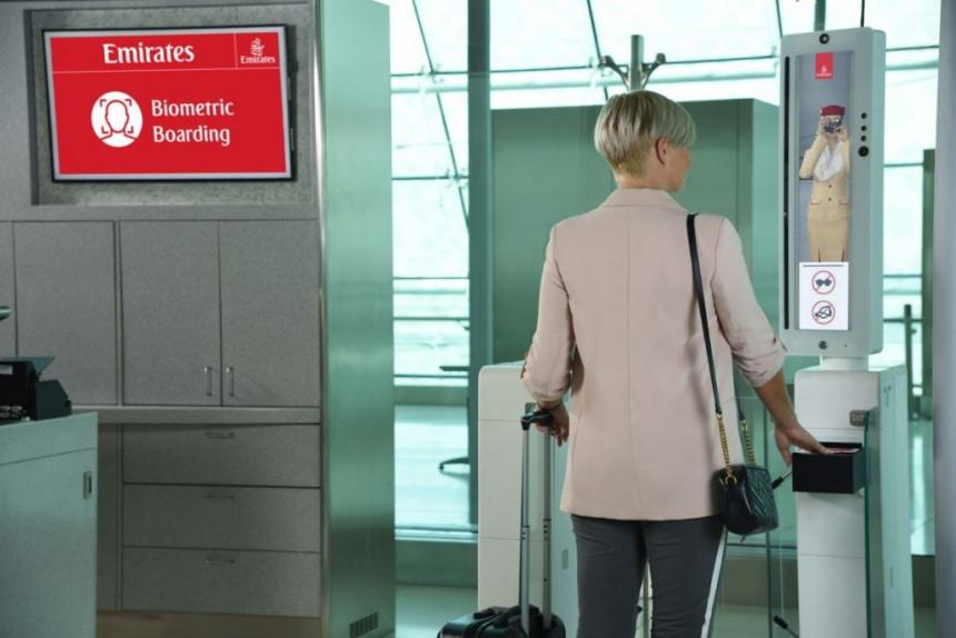 "Emirates pone a prueba primera ""ruta biométrica"" del mundo"