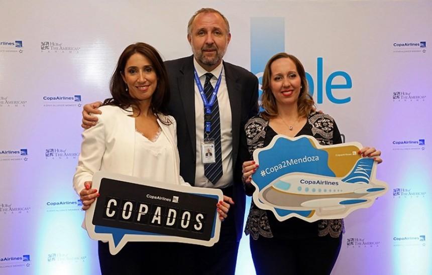 Gustavo Esusy en la inauguración de los vuelos a Mendoza