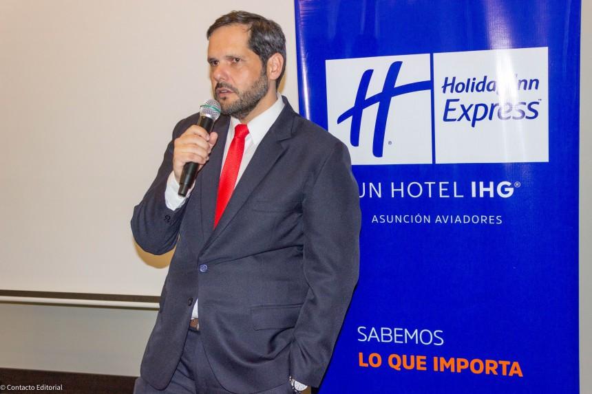 Manuel Benitez Codas, gerente general del Holiday Inn Express Asunción