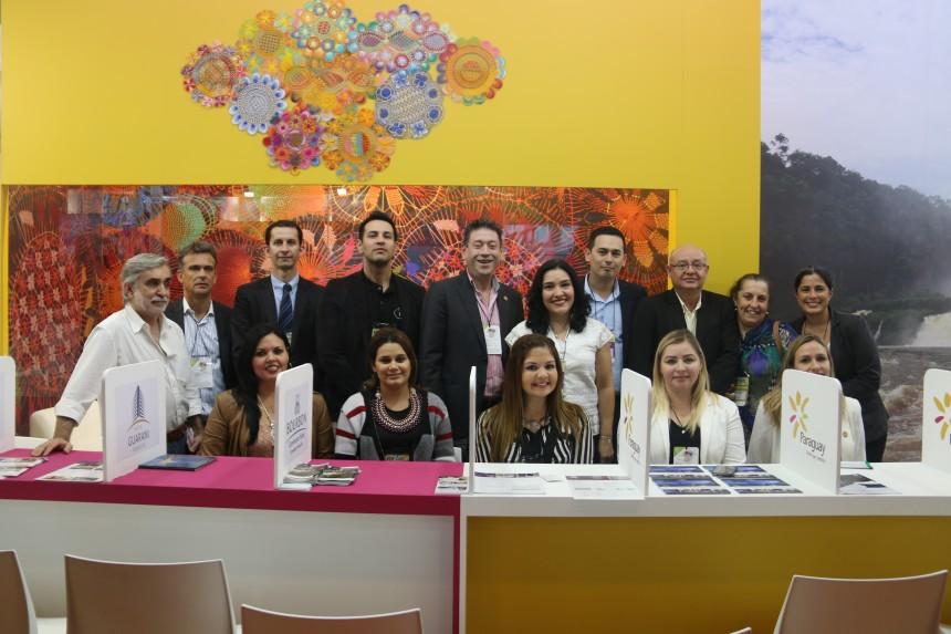 Ejecutivos paraguayos con Ministra de Turismo