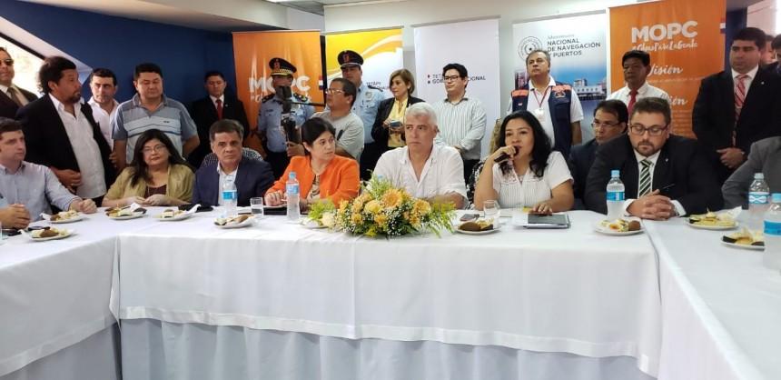 Durante la reunión realizada en la sede de Aduanas