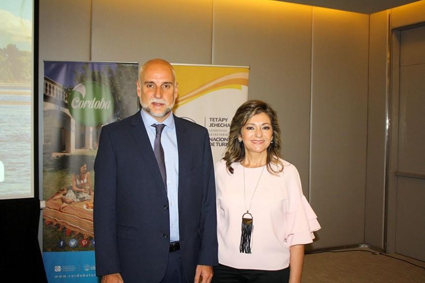 Julio Bañuelos y Marcela Bacigalupo