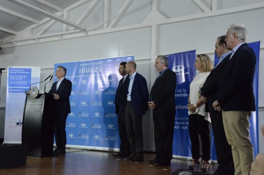 Mauricio Macri y María José Hidalgo durante la conferencia de prensa. Fotografía gentileza, Miguel Mendieta - Eldoregistra, Misiones Argentina
