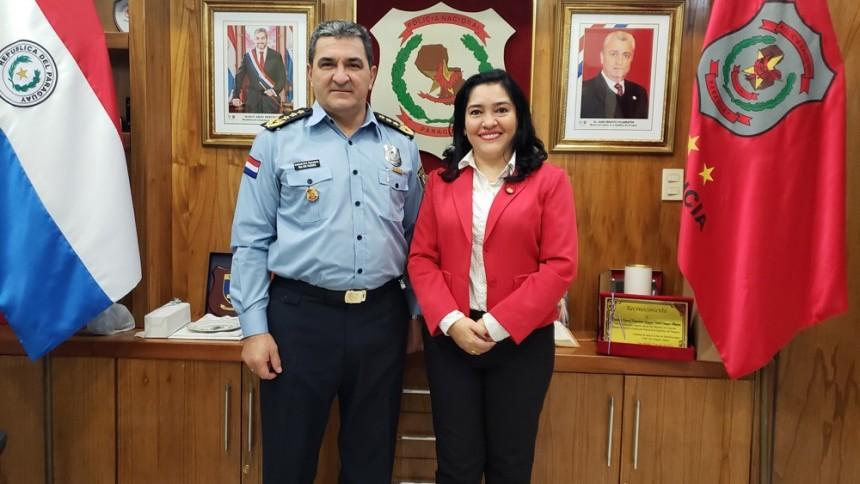 Comandante de la Policía Nacional, Gregorio Walter Vázquez y Sofia Montiel Ministra de turismo