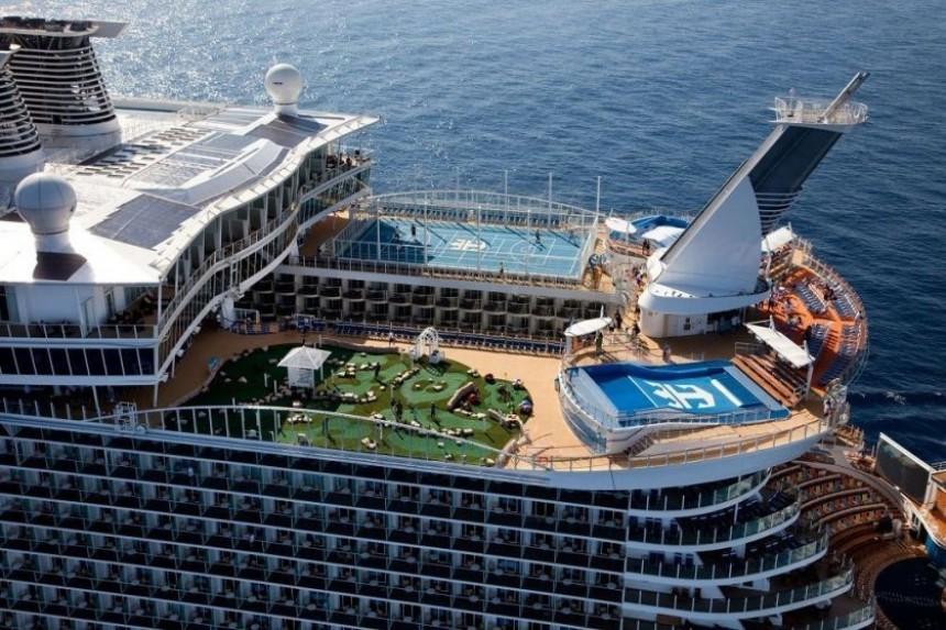 Royal Caribbean encarga la construcción de su tercer barco propulsado con GNL