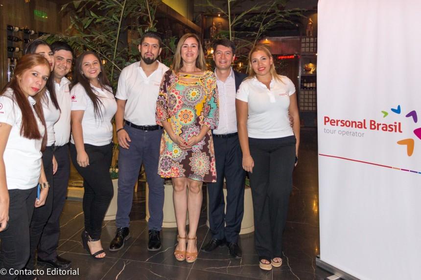 Domi Costa Beiro con ejecutivos de Personal Brasil