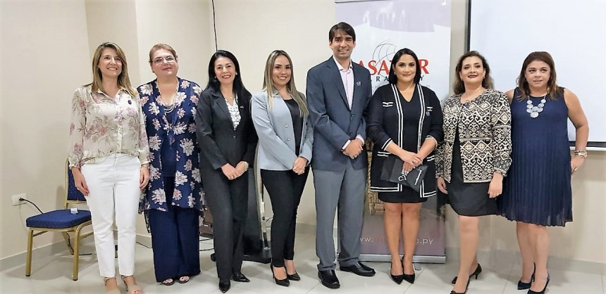 Ejecutivos durante la presentación de Asatur filial Ciudad del Este