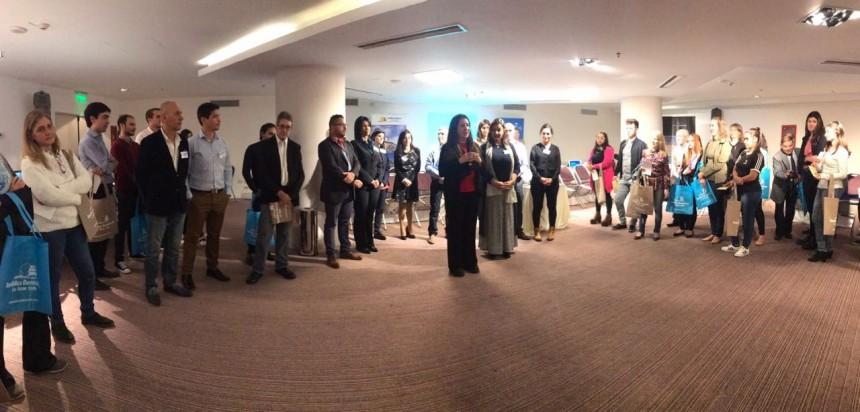 Rhina Olivares Fajardo durante la presentación