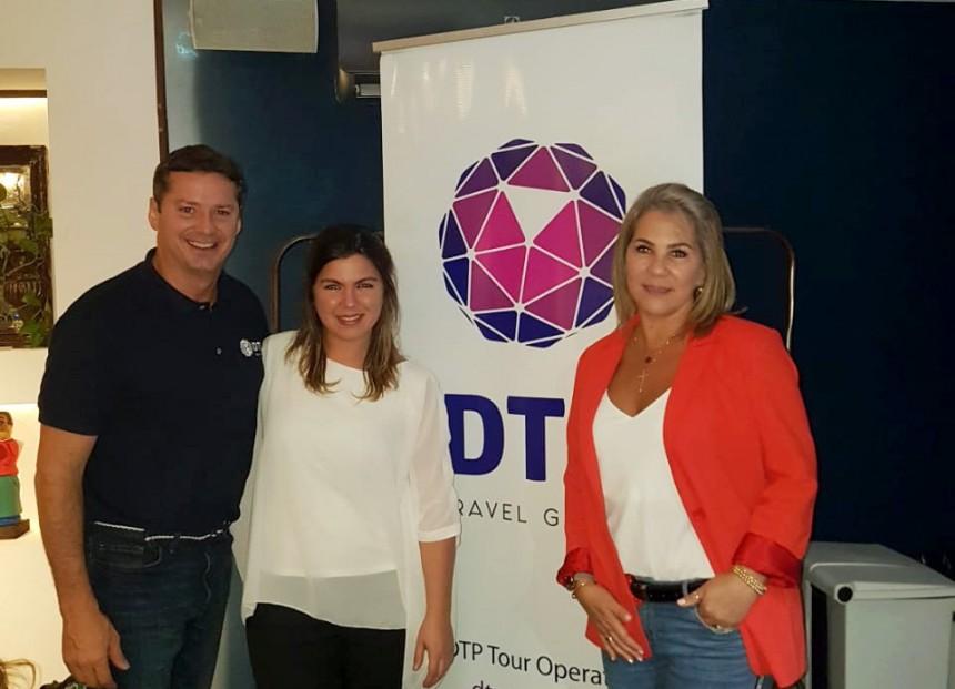 David y Sylvia Prono junto a Lidia Gimenez