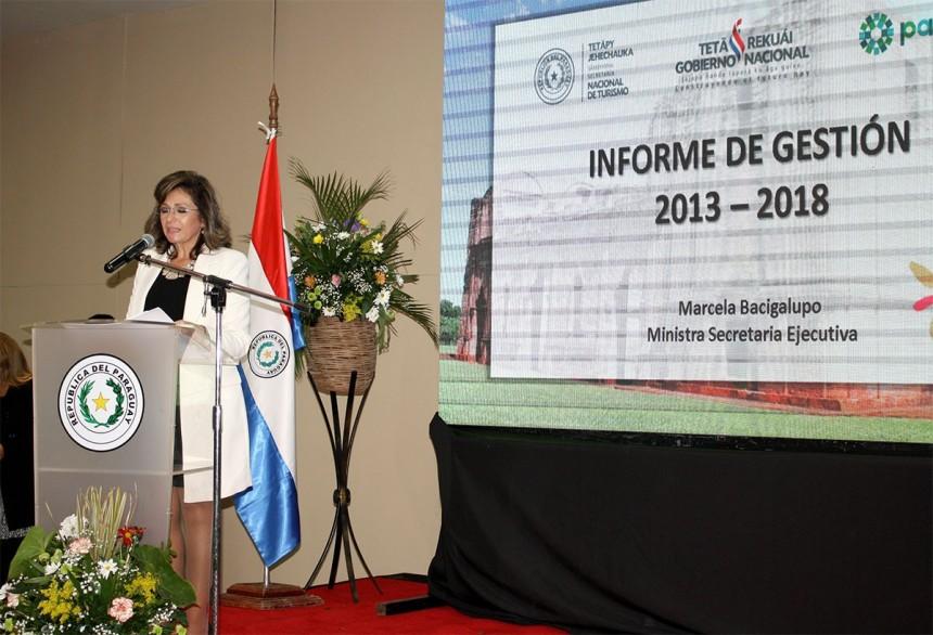 Marcela Bacigalupo durante la presentación de su informe