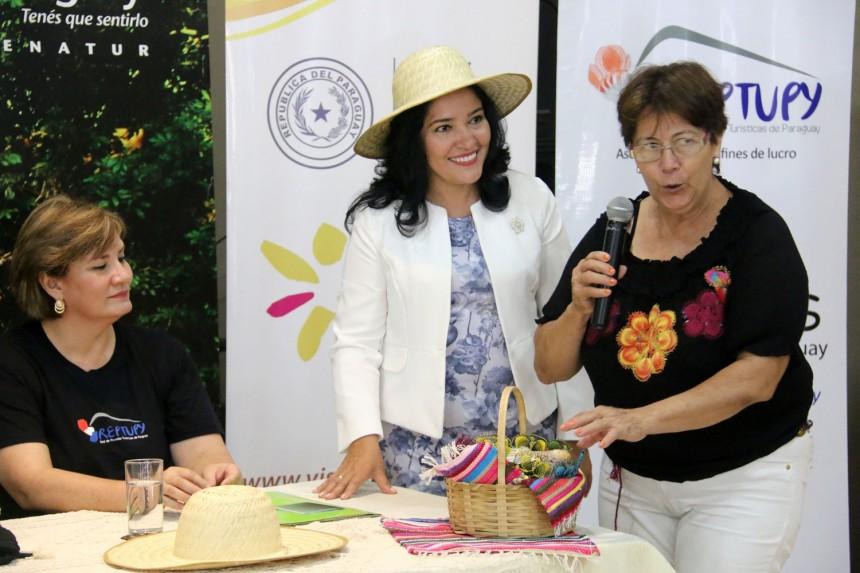 MInistra Sofia Montiel y Ursula Bareiro