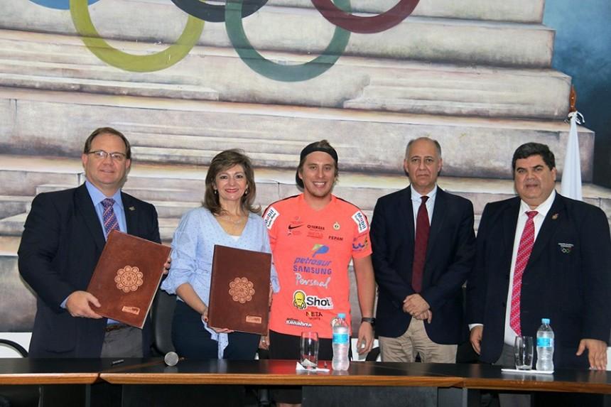 Camilo Perez, Marcela Bacigalupo, Nelson Sanabria, Gustavo Riego y Juan Carlos Orihuela