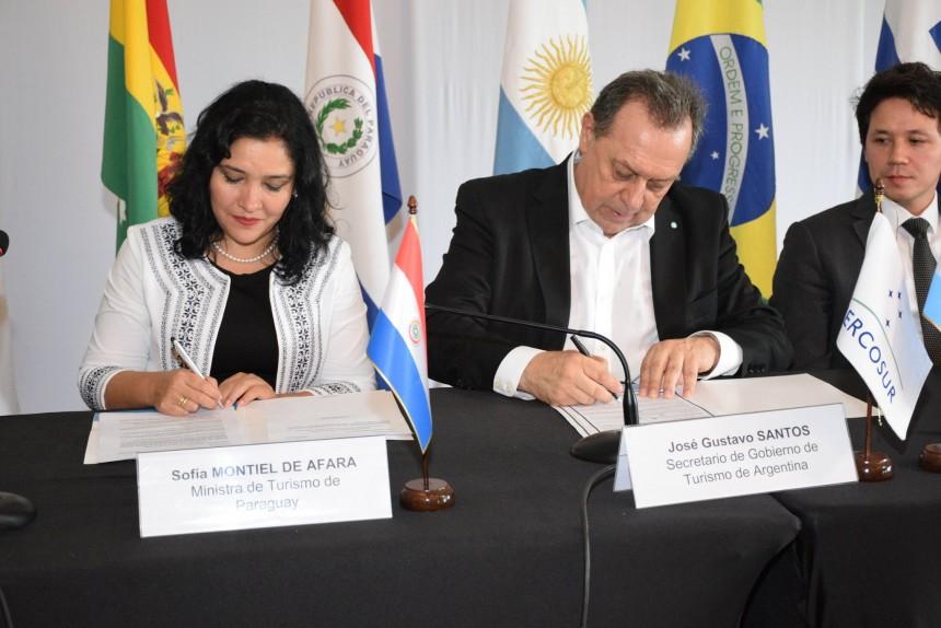 Sofia Montiel y Gustavo Santos