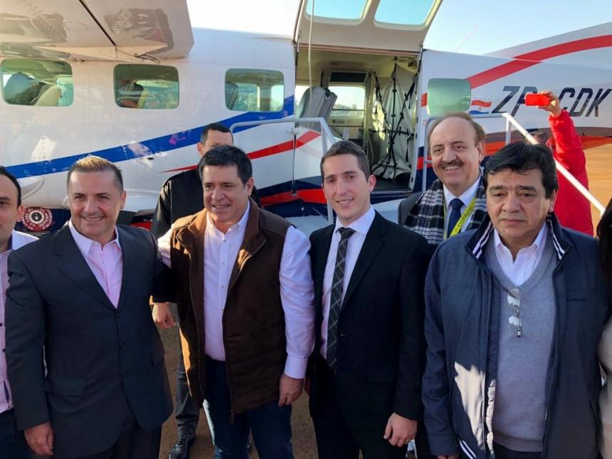 Ejecutivos de Sol del Paraguay junto al ex presidente Horacio Cartes