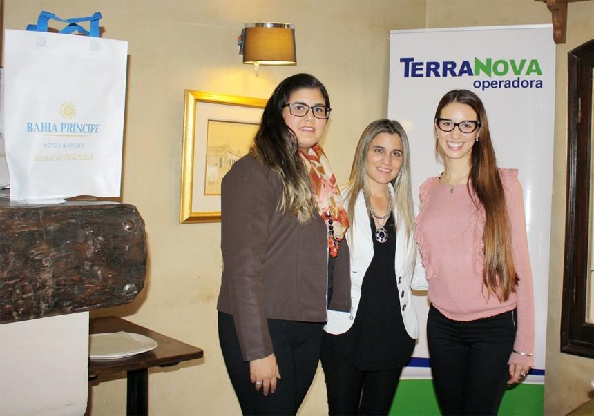 Patricia Repetto con ejecutivas de TerraNova