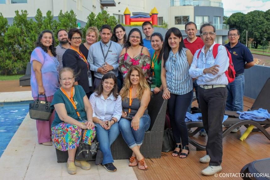 Participantes del Fam con Gloria Marin