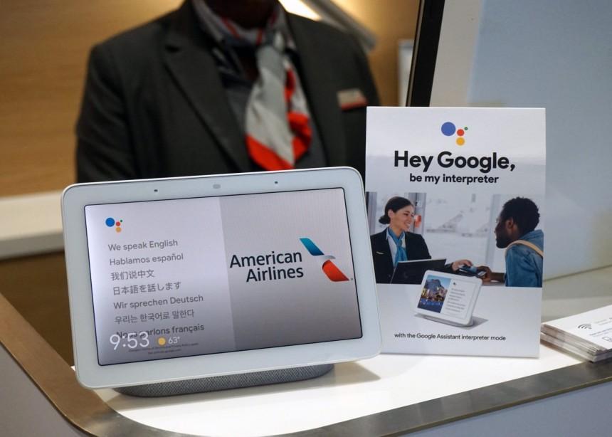 American experimenta traductor de Google en aeropuerto de Los Angeles