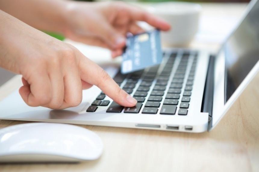 Argentina anuncia impuesto del 30% por compras en el exterior