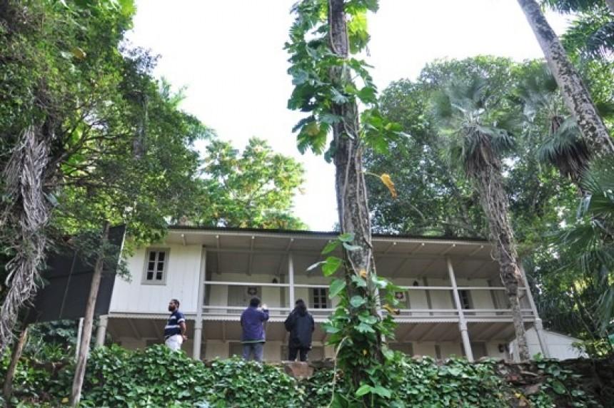 Fachada de lo que fue la residencia del científico Moisés Bertoni.