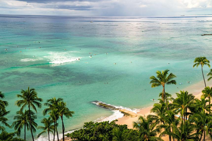 Hawái permitirá a los viajeros vacunados ingresar sin presentar pruebas COVID-19