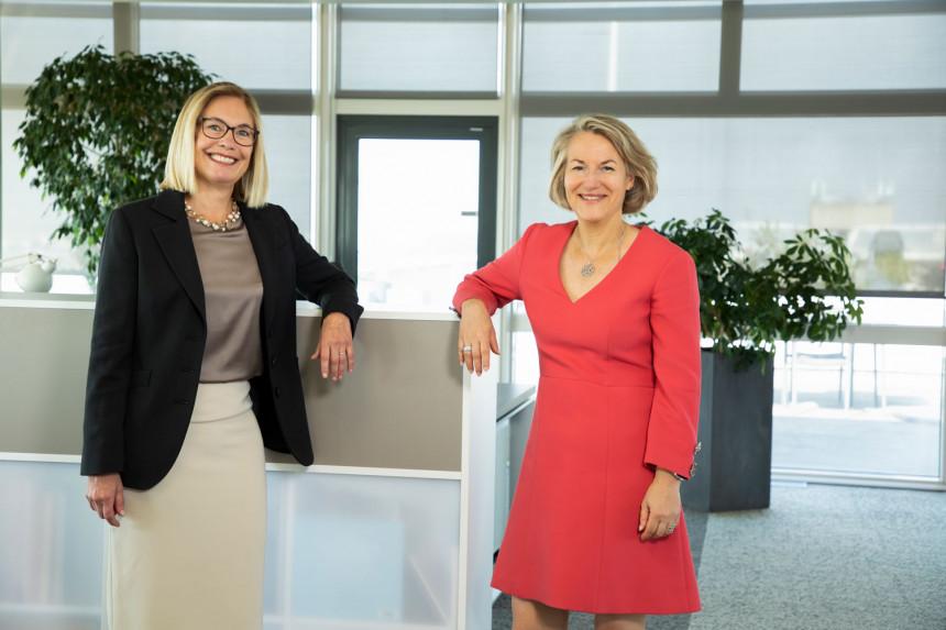 Kristin Colvile, CEO de SkyTeam y Anne Rigail, CEO de Air France.