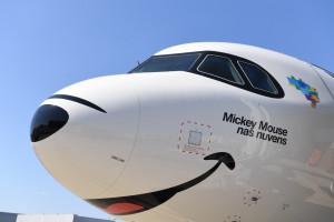 Azul revela imágenes de uno de sus aviones en asociación con Disney