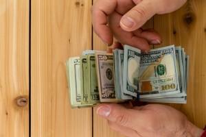 Operadores mayoristas emiten un comunicado sobre pagos en moneda extranjera en efectivo