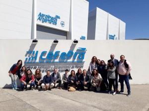 Agentes de viajes locales visitaron las instalaciones de Aerolíneas Argentinas en Ezeiza